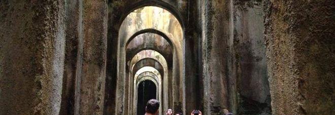 Visita guidata all'antica Bauli, a partire dal centro storico, passando per la Piscina Mirabili e arrivando all'azienda agricola Piscina Mirabile