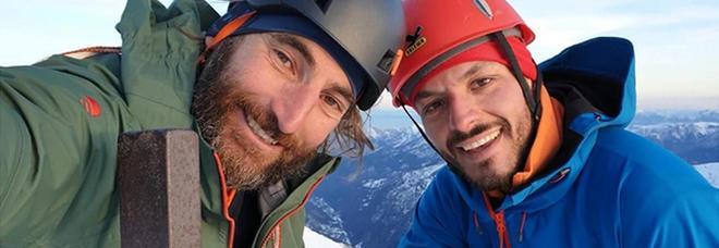 Salvato l'alpinista italiano ferito in Pakistan è in ospedale: «Alcune fratture, è cosciente»