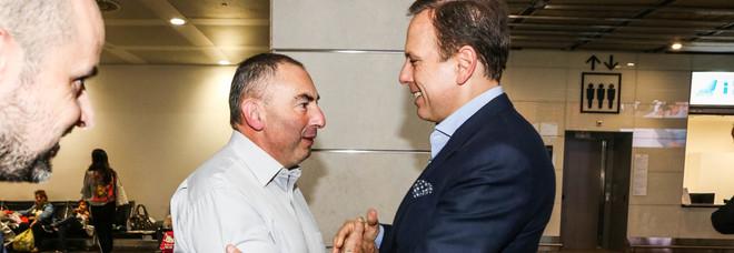 Il figlio di Sabbadin col sindaco in aeroporto