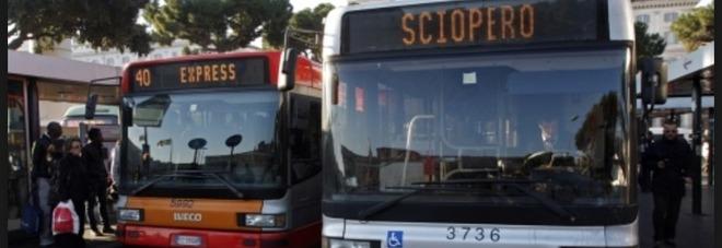 Sciopero di bus, tram, metro e ferrovie per 24 ore e corteo degli studenti in Centro: venerdì 13 sarà da incubo