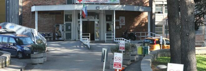 Covid in Campania, dg Cotugno: «Nessuna criticità per i posti letto»