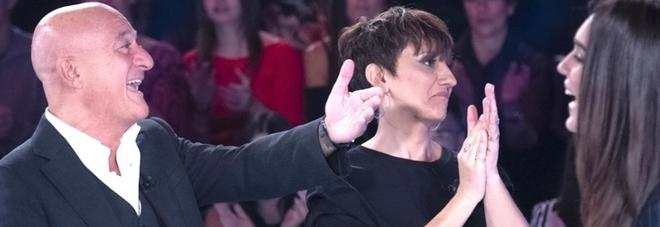 Claudio Bisio, Silvia Toffanin rivela a Verissimo: «L'ho visto nudo». Pubblico incredulo