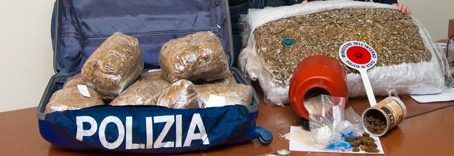 Cocaina e marijuana in sottovuoto: in manette una donna