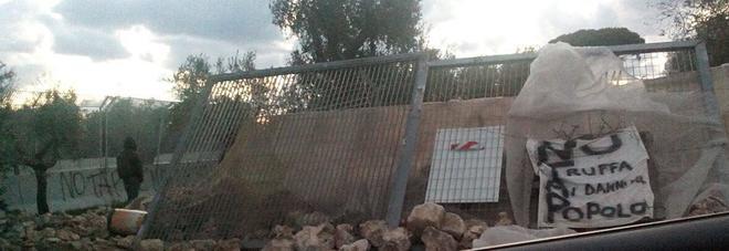 Tap, tornano barricate: blocchi davanti area di espianto degli ulivi