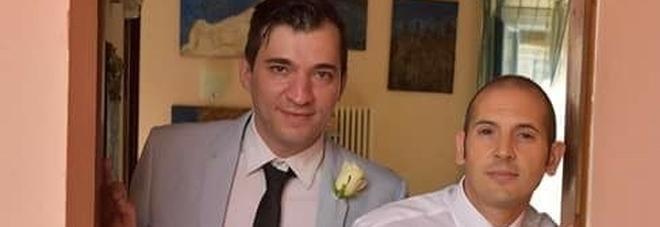 Fabio massacrato con trenta coltellate: «Lite per debiti e gelosia». Il compagno ha confessato