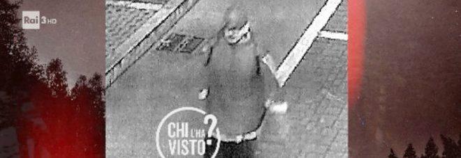 Caccia all'aggressore di 5 ragazze, la vittima a Chi l'ha Visto?: «Mi ha tirato calci e pugni, ora vogliono archiviare il caso»