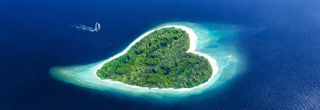 San Valentino tra le grandi città dell'amore e le isole a forma di cuore