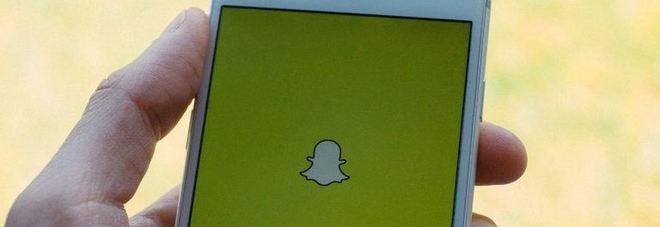 Snapchat, su iPhone non si potranno più registrare in segreto foto o video: risolto bug di iOS 11