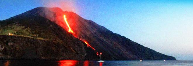 Stromboli, allarme dell'Ingv: «Il vulcano è in stato di apparente instabilità»