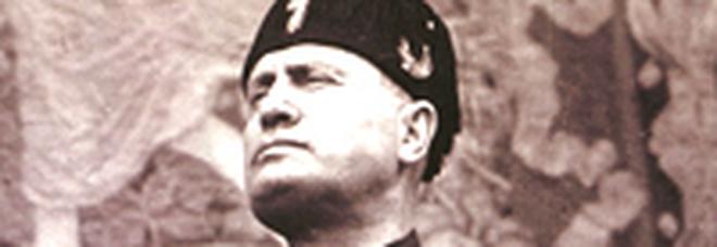 Calendario Mussolini 2020.Punito Carabiniere Per Una Foto Di Mussolini Sulla Scrivania