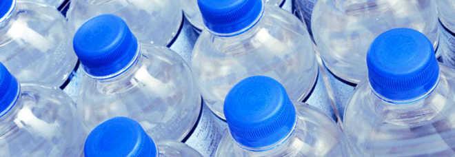 Boom di furti con la bottiglietta d'acqua: lo stratagemma dei ladri per entrare senza lasciare segni