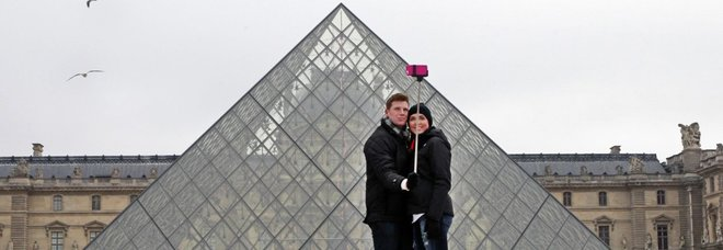 """Boom medicina estetica tra il """"complesso"""" del selfie e i nuovi trend"""