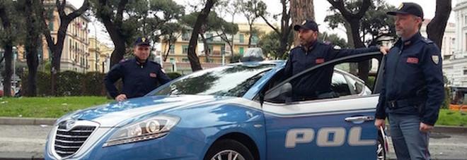 Sparatoria in pieno giorno a Napoli  4 feriti nella lite condominiale