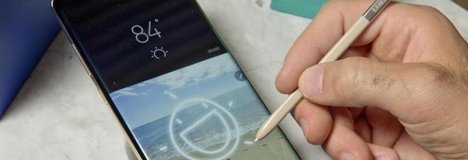 Samsung, problemi per il Note 8: alcuni smartphone non si ricaricano