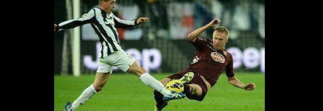 Monaco-Juve, Glik accende la sfida: su Fb la foto di un fallo choc su Giaccherini