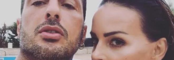 Fabrizio Corona e Nina Moric di nuovo insieme per Carlos: «E' la donna che mi ha reso padre, il suo ex non l'ha aiutata»