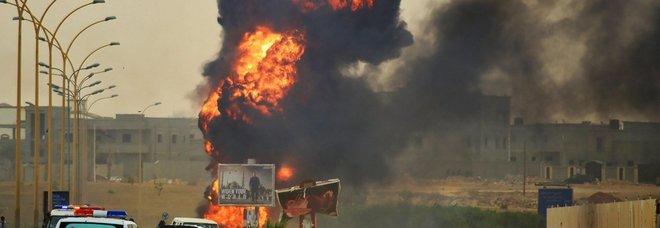 Tripoli, esplosioni e colpi d'arma fuoco nella sede Noc: si teme attentato kamikaze
