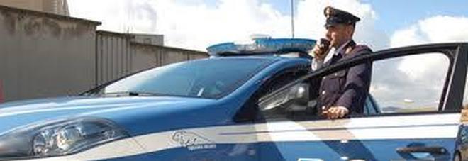 Pistola spianata agli automobilisti per postare video sui social: 3 giovani nei guai