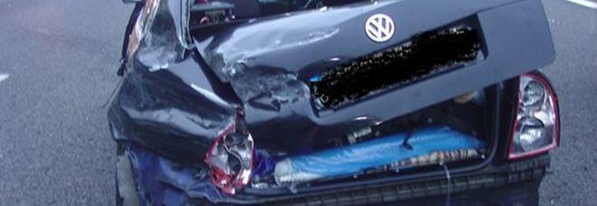 Schianto sull'A14 col bimbo sbalzato fuori dall'auto: trovato e denunciato il pirata