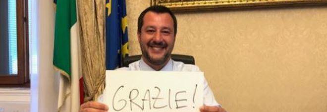 Diciotti, no del Senato al processo per Salvini. Lui: «Non lascerò morire una sola persona»