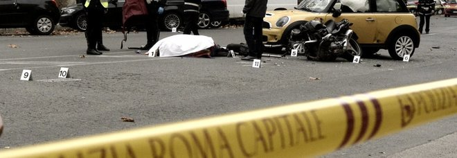 Scontro moto-auto sul Lungotevere: muore un centauro di 62 anni