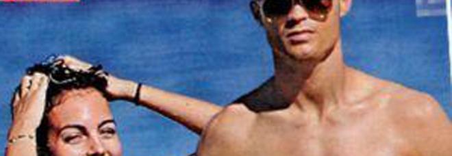 Cristiano Ronaldo, relax al mare con la fidanzata Georgina: «Si sposeranno in Italia»