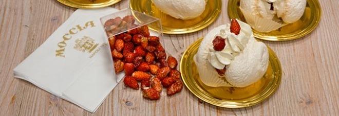 Meringa panna e fragoline, ecco il dolce di San Valentino