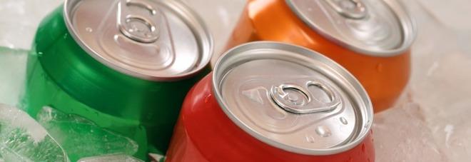"""""""Bere una bevanda dietetica al giorno aumenta il rischio di demenza"""": la ricerca choc"""