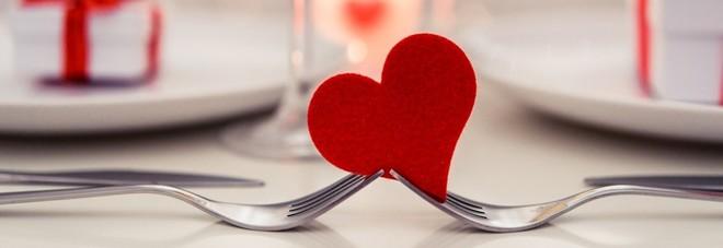 Single e cibo a domicilio: gusti e abitudini degli italiani tra San Valentino e il primo appuntamento