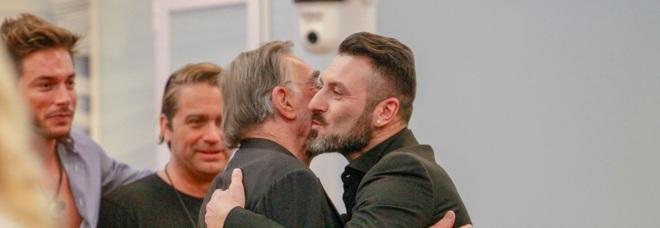 Grande Fratello Vip 2020, l'ingresso di Sossio Aruta divide il web :«hai abbandonato tua figlia», ma c'è chi lo difende