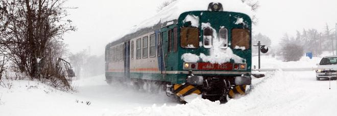 Treni cancellati per il maltempo: i biglietti non usati saranno rimborsati