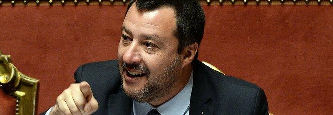 Salvini: «Precedenti per ebbrezza e violenza sessuale, e il senegalese guidava lo scuolabus»