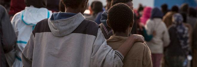 «Sono minore, aiutatemi» Ragazzino bussa alla porta della comunità