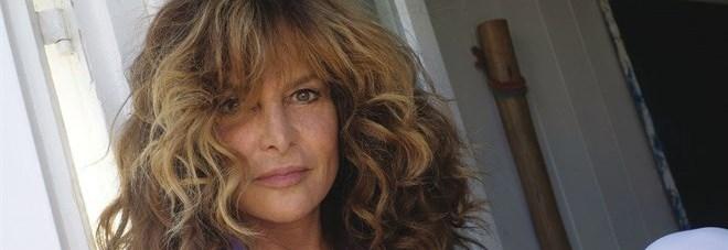 Giuliana De Sio smonta lo scandalo molestie: «Weinstein? Che palle!»