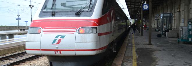 Perdono tempo anche le Frecce: il treno per Roma è un incubo
