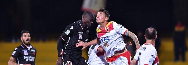 Benevento, 0-0 tra le polemiche Col Vicenza manca un rigore