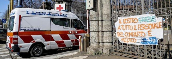 Coronavirus, Galli: «Le attuali misure per il contenimento non bastano ancora»