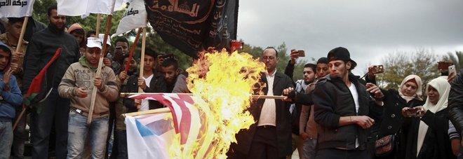 Gerusalemme, Hamas chiama  alla nuova Intifada: 114 feriti  Due razzi da Gaza verso Israele