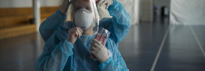 Coronavirus, l'infermiere: «I contagiati arrivano in ospedale ansimando, come se avessero corso»