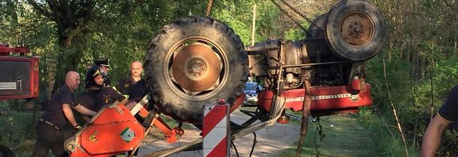 Guglielmo, morto a 5 anni schiacciato dal trattore: due paesi in lutto, indagato il papà