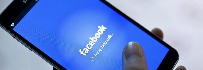 Accede al profilo Facebook del suo ex, condannata in tribunale