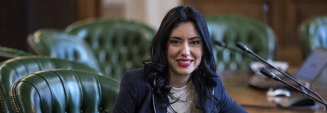 Coronavirus. Azzolina, ministra all'attacco: «Scuola, basta fake news sui social. Lezioni perse? Le faremo online»
