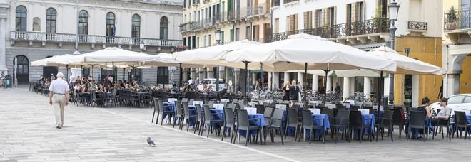 Padova. Plateatici, estate salva ma è stretta sugli orari: ombrelloni via alle 17
