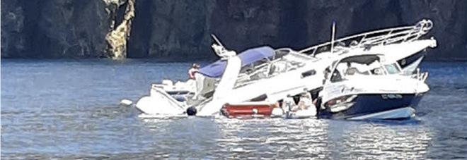 Yacht contro gli scogli affonda in pochi secondi in Sicilia: salvi otto turisti romani