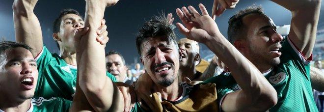 Coppa d'Africa, Algeria in semifinale: caos festeggiamenti in Francia. Un morto e saccheggia a Parigi
