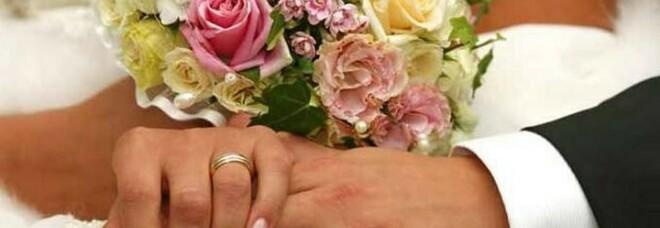 Gli rubano le fedi a cinque giorni dalle nozze: postano la storia sul web e il ladro le restituisce