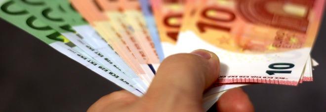 Un'azienda dà un premio di ottomila euro a ogni dipendente