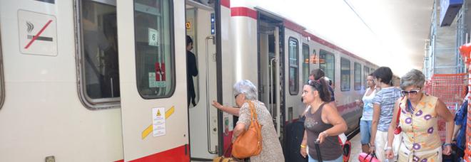 L'ultima vergogna del treno per Roma: 2 ore di ritardo il viaggio ne dura sei