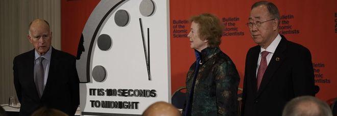 Alla fine del mondo mancano solo 100 secondi: «Mai così vicini dai tempi della Guerra Fredda»
