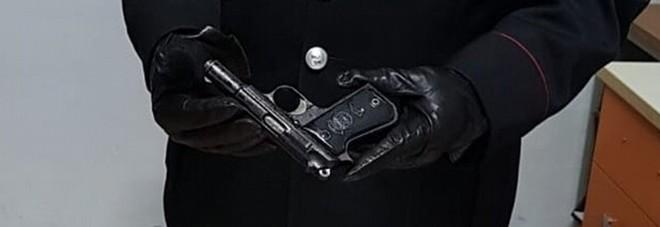 Tragedia in caserma: carabiniere suicida con la pistola d'ordinanza